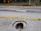 البلدية تكافئ المواطنين بحفرة ٱخرى بعد إكتشافهم للأولى و تجنّبهم السقوط بها